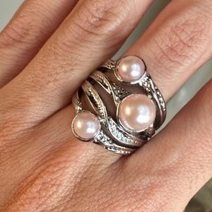 Beautiful Faux Pink Pearl on Plated Silvertone Set